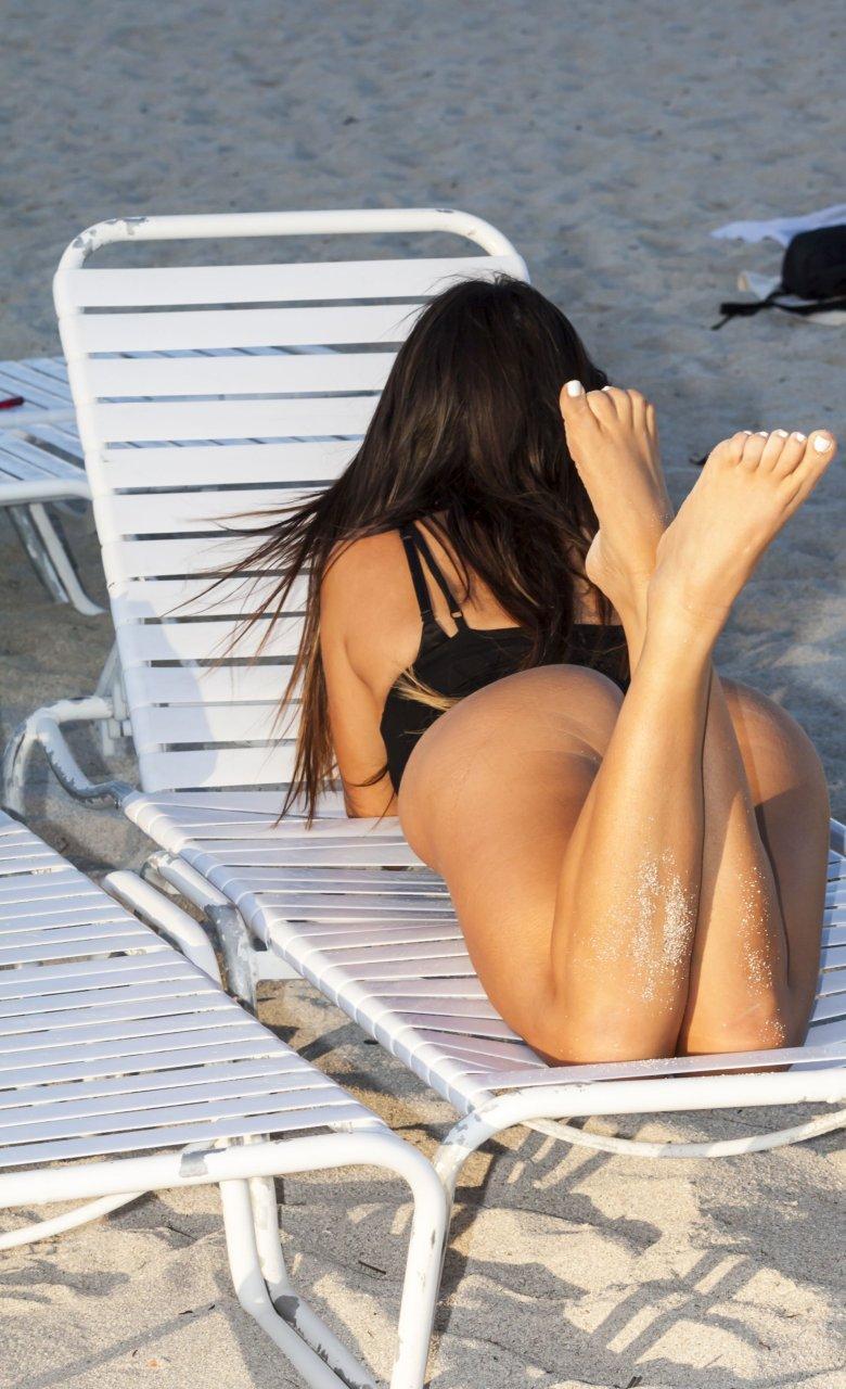 Romani bikini claudia black