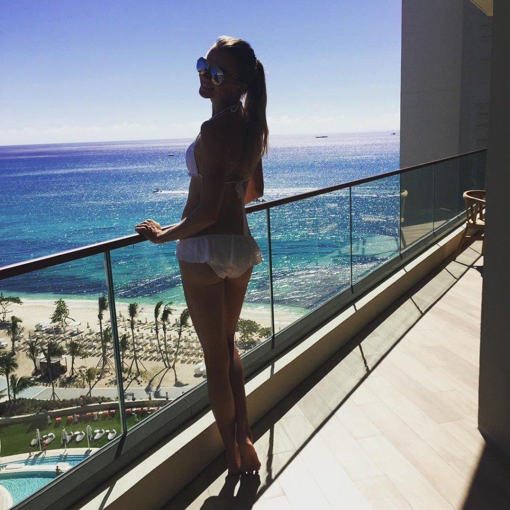 Daniela Hantuchova Sexy (3 Photos)
