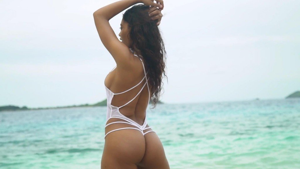 Danielle Herrington Sexy – 2017 'Sports Illustrated' Swimsuit Issue