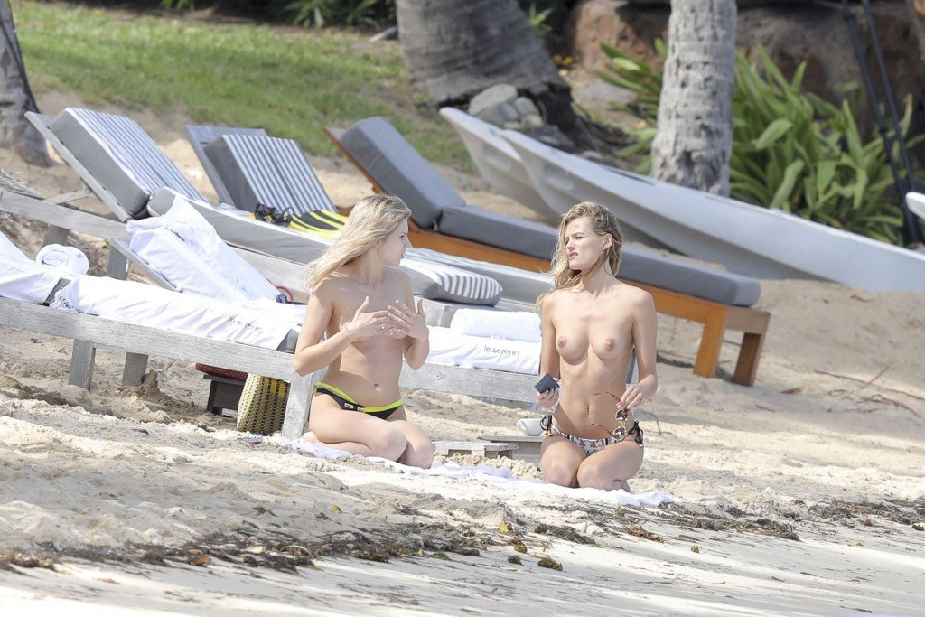 Edita Vilkeviciute Topless Sexy thefappening.so 20