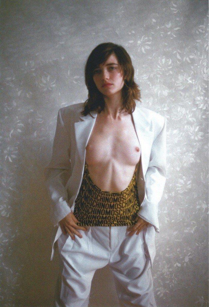 Grace Hartzel Nude & Sexy (9 Photos)