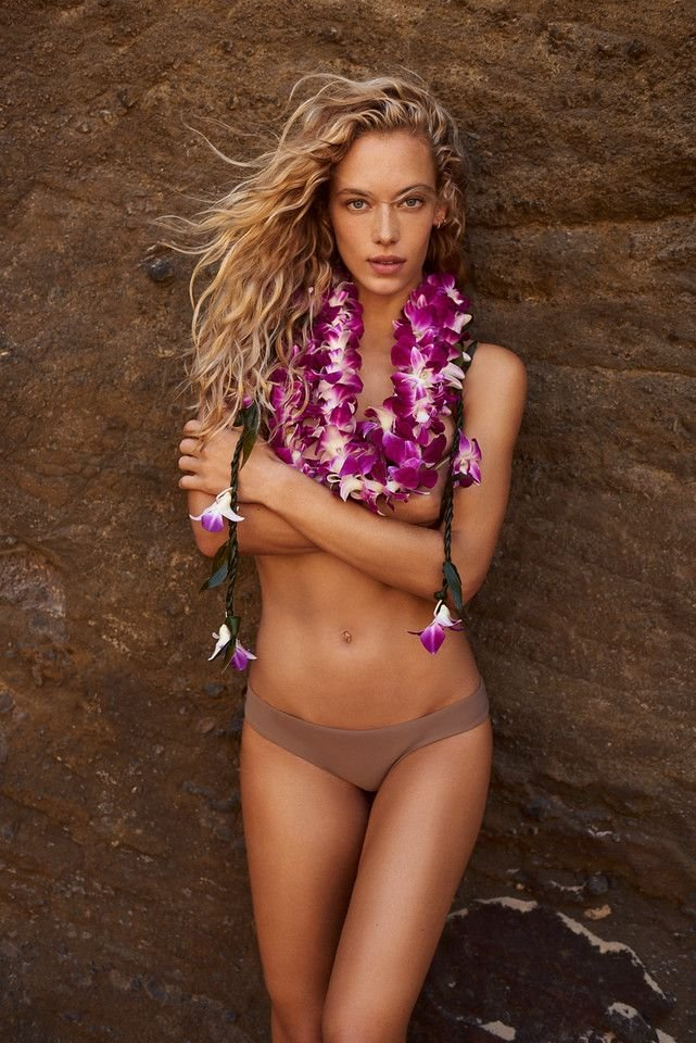 Hannah Ferguson Sexy 1