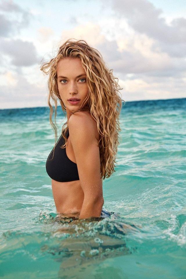 Hannah Ferguson Sexy 31