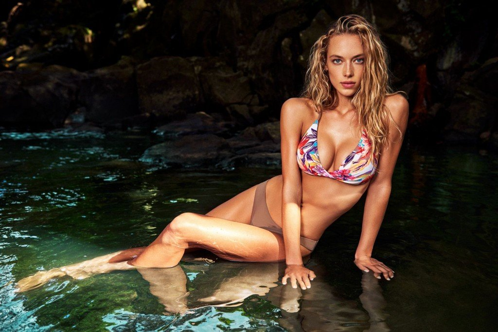 Hannah Ferguson Sexy 40