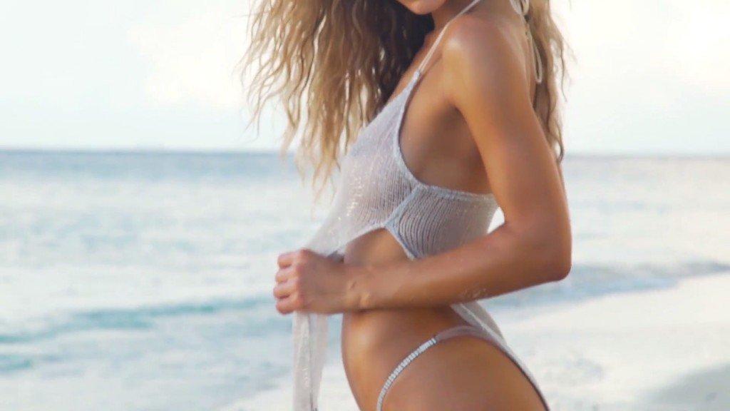 Hannah Ferguson Sexy Topless 14