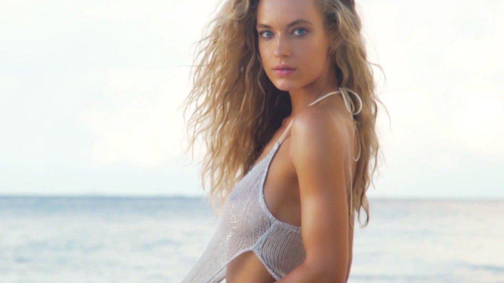 Hannah Ferguson Sexy Topless 15