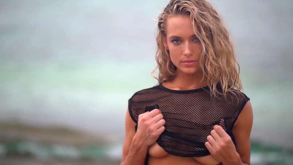 Hannah Ferguson Sexy Topless 22