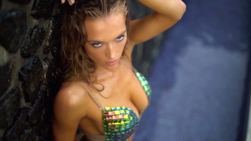 Hannah Ferguson Sexy Topless 25
