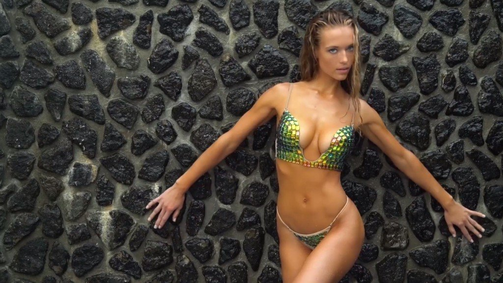 Hannah Ferguson Sexy Topless 30