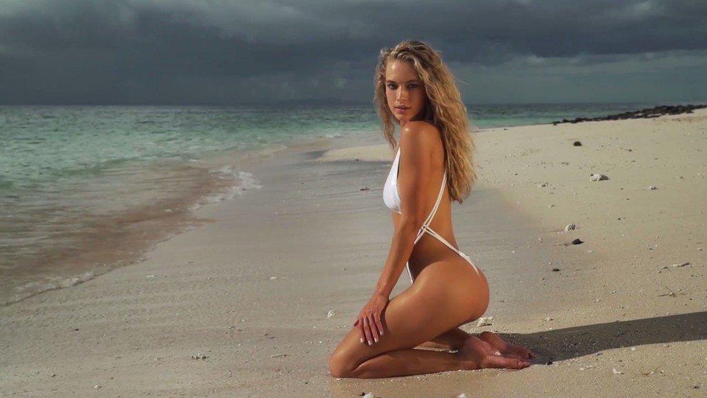 Hannah Ferguson Sexy Topless 35