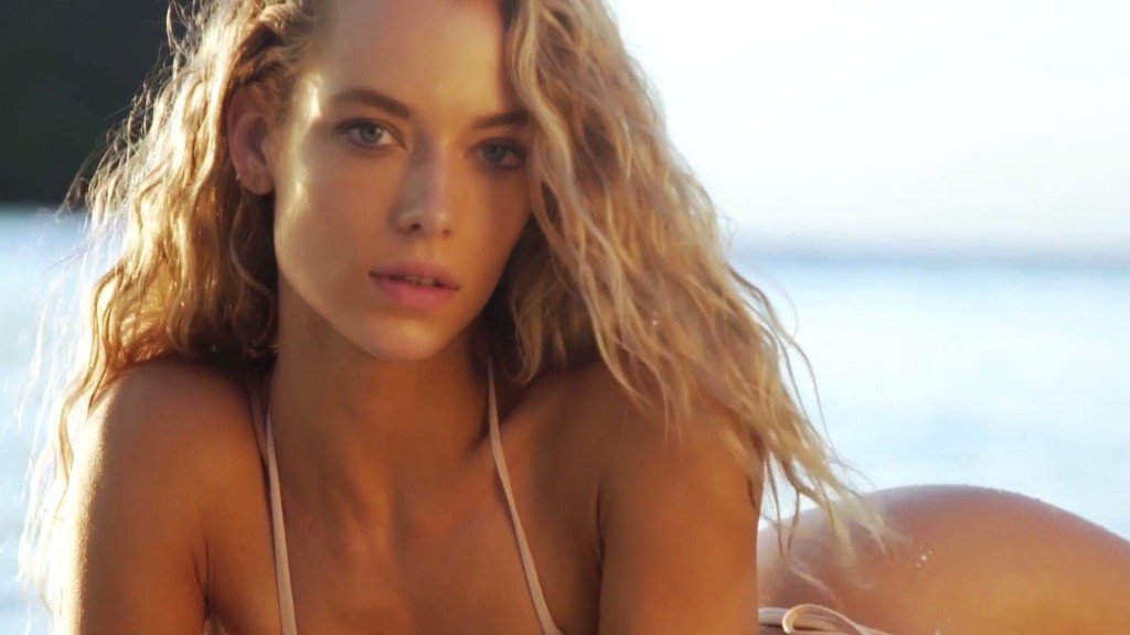 Hannah Ferguson Sexy Topless 36