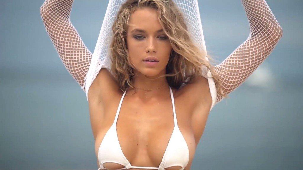 Hannah Ferguson Sexy Topless 4