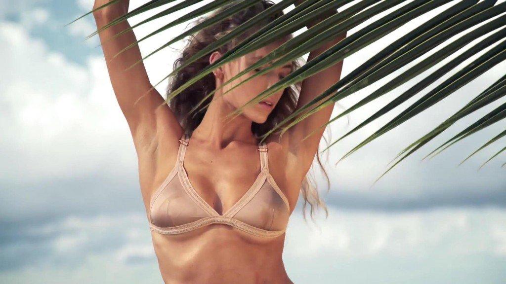 Hannah Ferguson  Uncovered Sports Illustrated Swimsuit 2017_16