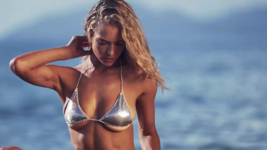 Hannah Ferguson  Uncovered Sports Illustrated Swimsuit 2017_3