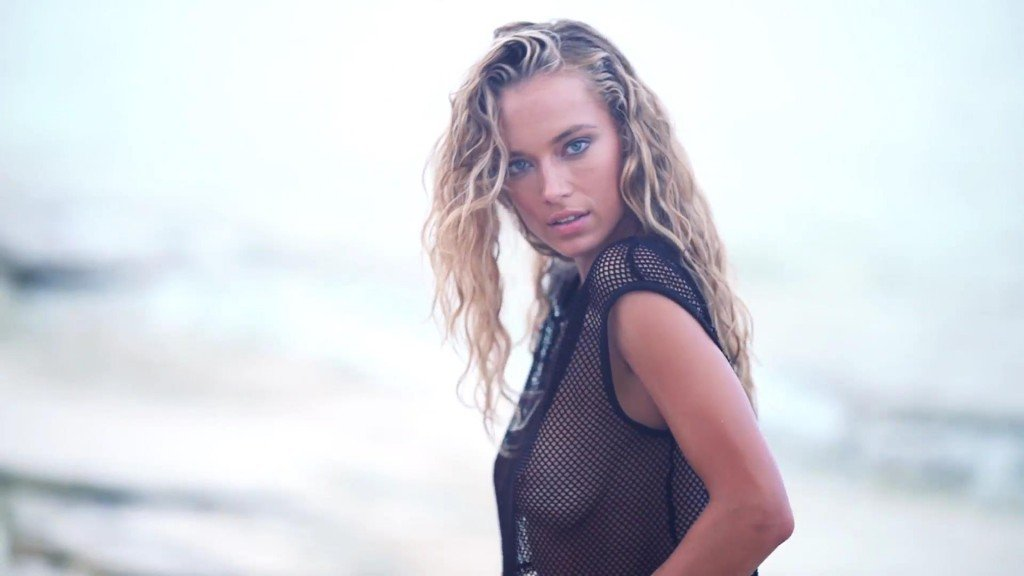 Hannah Ferguson  Uncovered Sports Illustrated Swimsuit 2017_9
