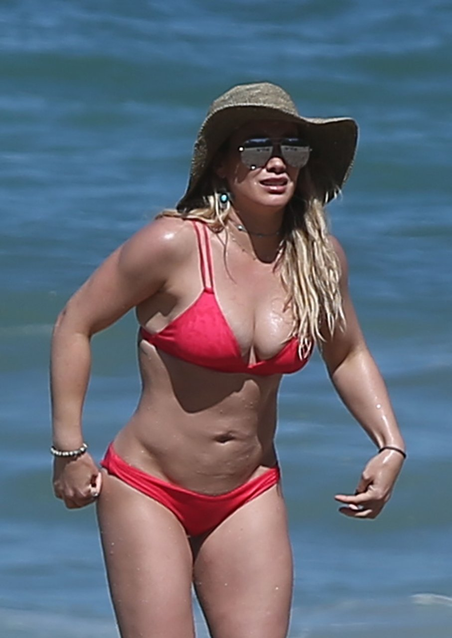 Nu hilary duff images
