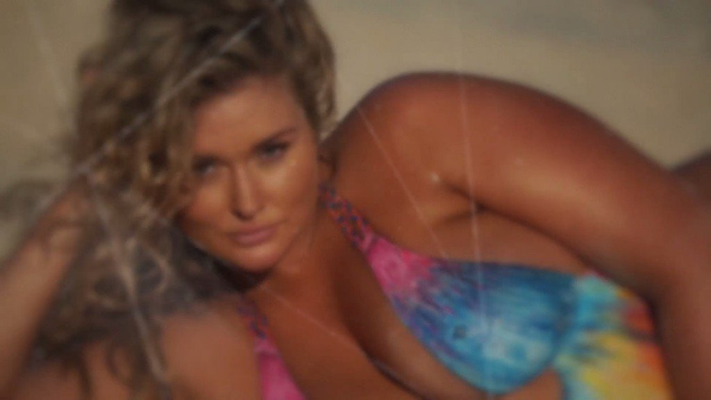 Hunter McGrady Bodypaint Uncovered 1 thefappening.so
