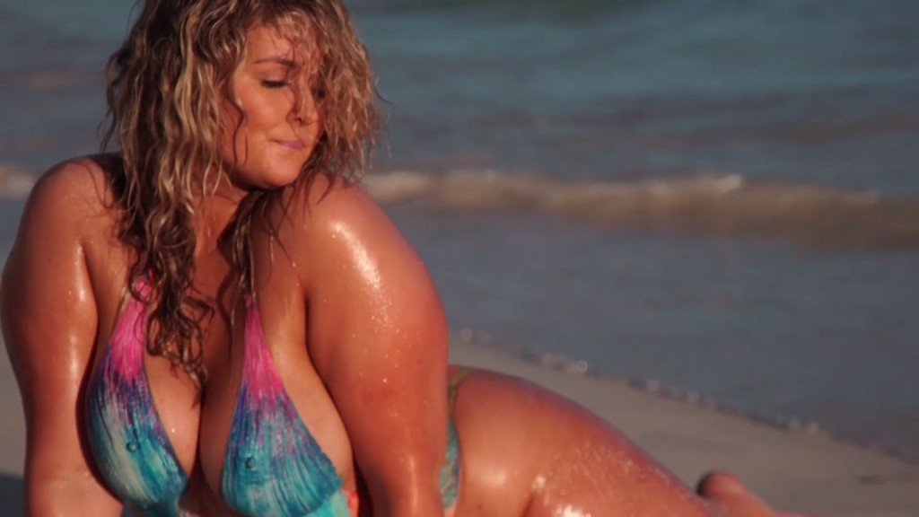 Hunter McGrady Bodypaint Uncovered 25 thefappening.so