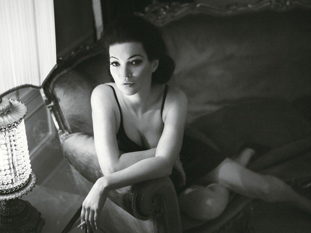 Kate Moss Sexy & Topless (10 Photos)
