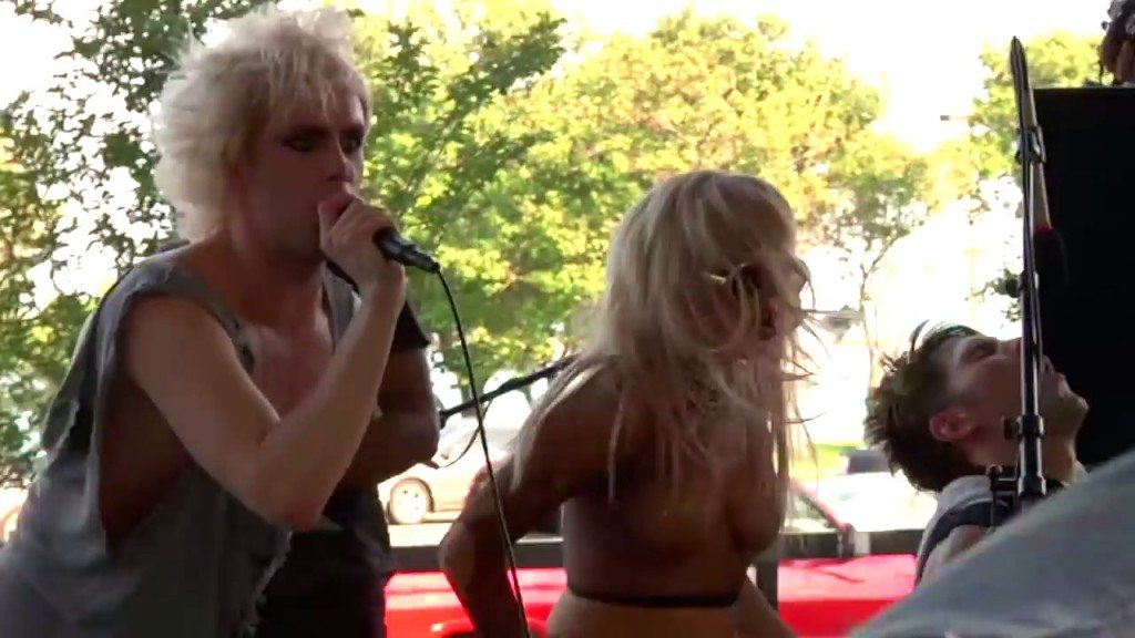 Lady Gaga Sexy (14 Photos + GIFs & Video)