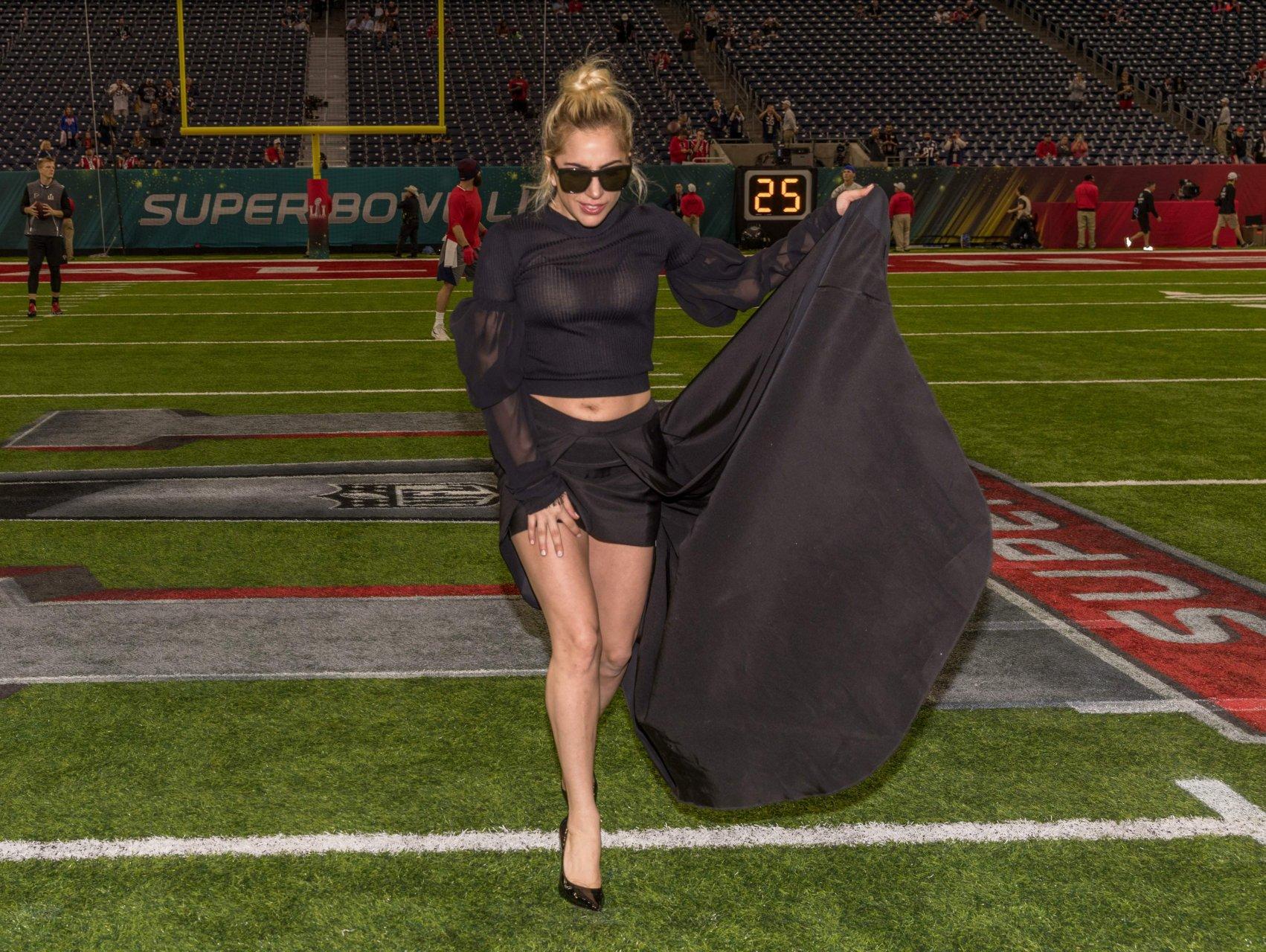 Lady Gaga Sexy (19 Photos + Video) | HottieStars