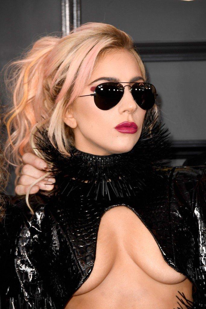 Lady Gaga Underboob 10
