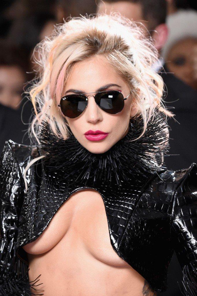 Lady Gaga Underboob 11