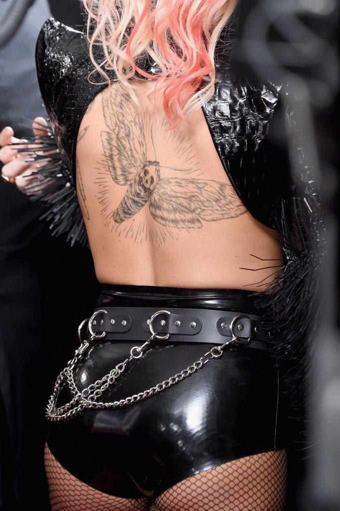 Lady Gaga Underboob 12