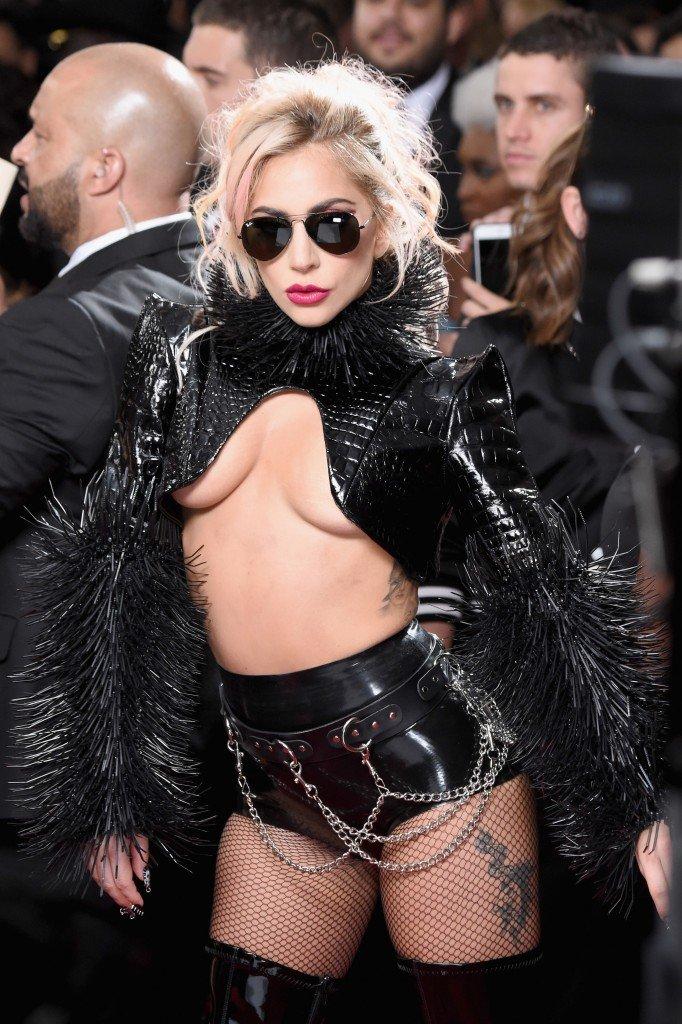 Lady Gaga Underboob 9