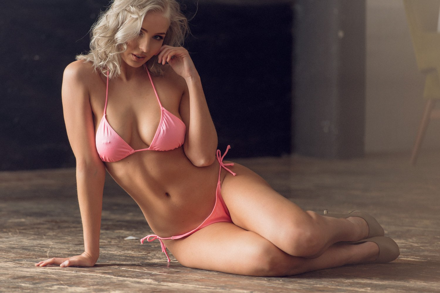 Nicola Paul Sexy and Topless (5 Photos) | #TheFappening