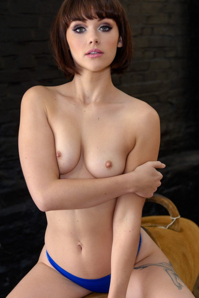 Mellisa Clarke Sexy and Toples 4