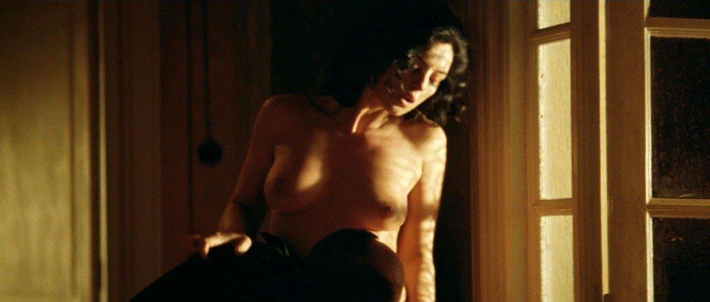 Monica Bellucci Nude – Malena (2000) HD 1080p
