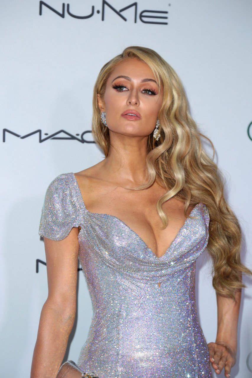 Fuck.....//ty post paris hilton sexy ass harmonious tits