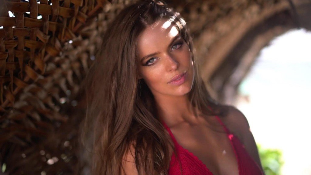 Robyn Lawley Intimates Sports Illustrated Swimsuit 2017_28