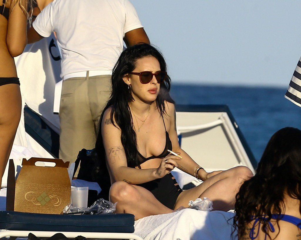 Rumer Willis Sexy 20 thefappening.so