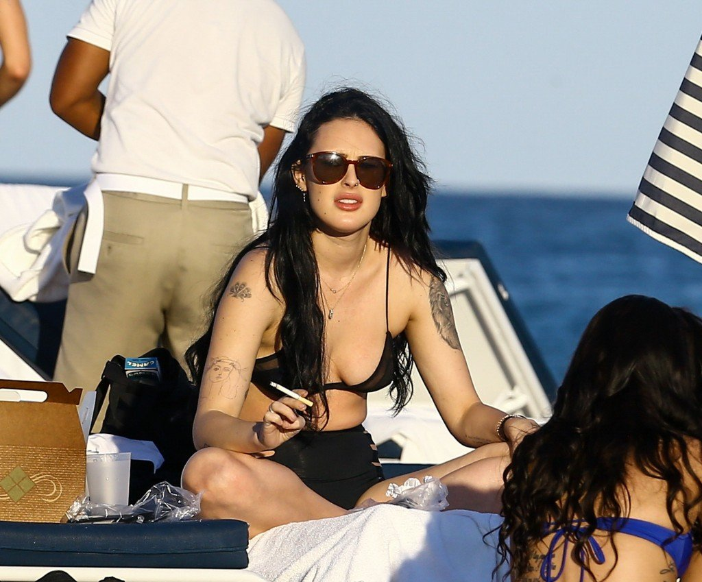Rumer Willis Sexy 21 thefappening.so