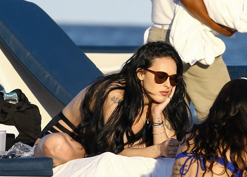 Rumer Willis Sexy 24 thefappening.so