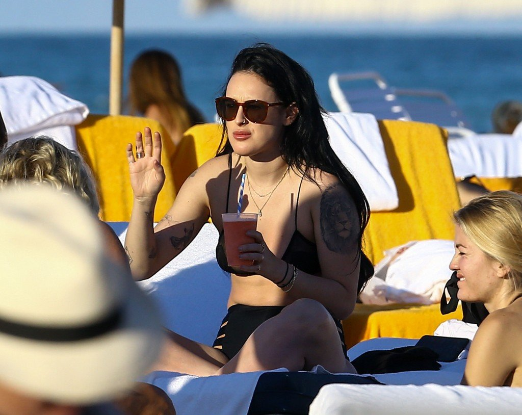 Rumer Willis Sexy 4 thefappening.so