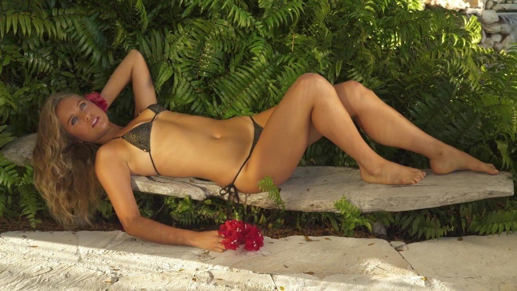 Sailor Brinkley Cook Sports Illustrated Swimsuit 2017_3