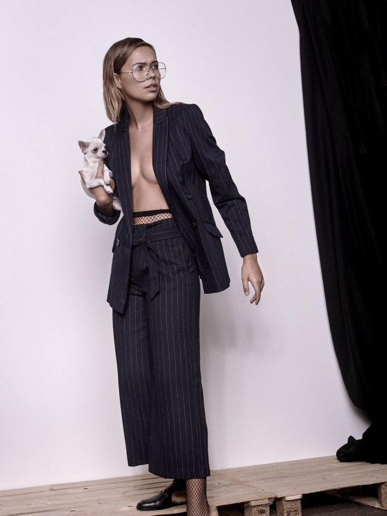 Sandra Kubicka Sexy (4 Photos)