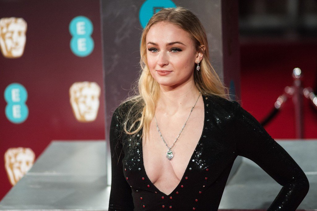Sophie Turner Sexy 220 thefappening.so
