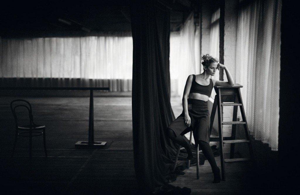 Vivien Solari Sexy & Topless (10 Photos)