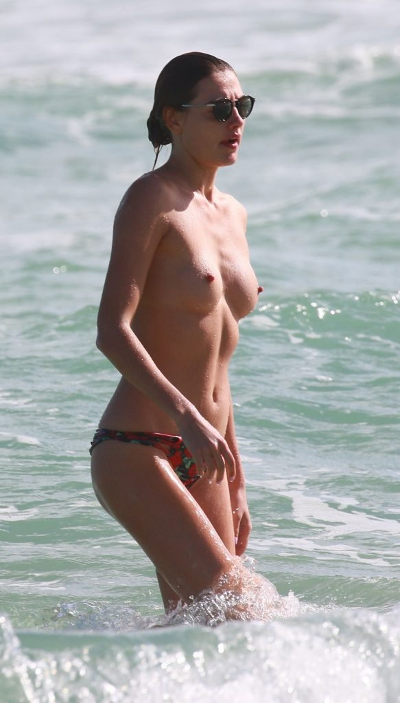 Sex Black Sea Nude Pic
