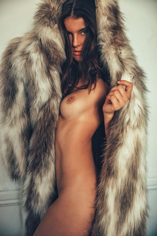 Naked wardrobe jackets coats