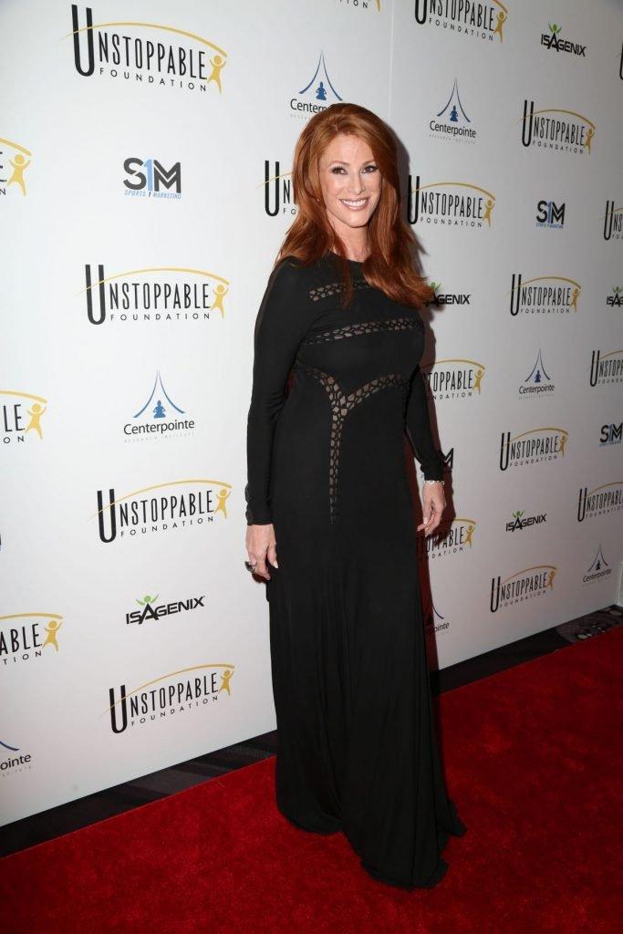 Angie Everhart Braless (5 Photos)
