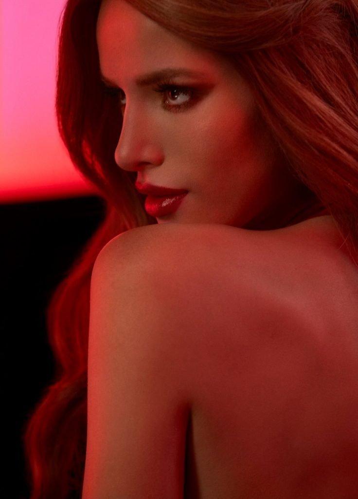 Bella Thorne (13 Sexy Photos)