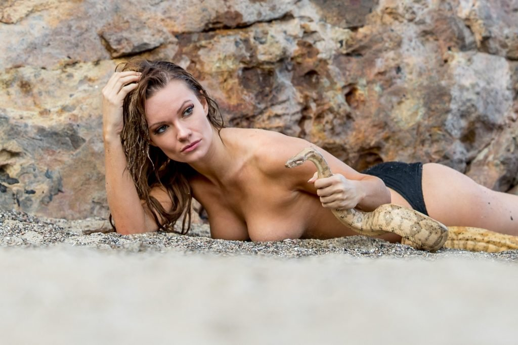 Caitlin O'Connor Sexy & Topless (106 Photos)