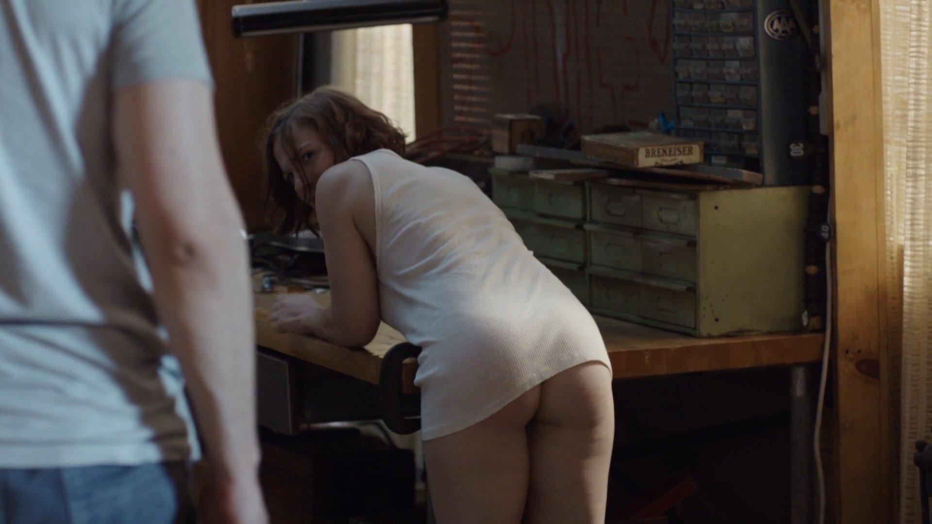 Daisy Eagan  nackt