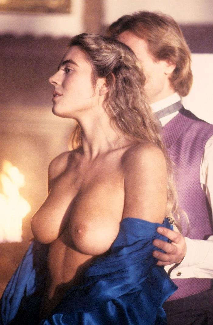 liz hurley tits