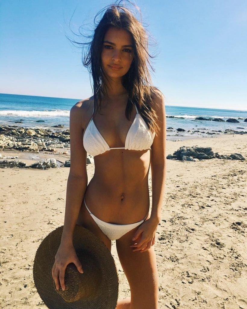 Emily Ratajkowski (33 Photos)